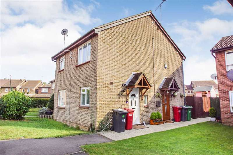 2 Bedrooms Terraced House for sale in Bramber Court, Cippenham