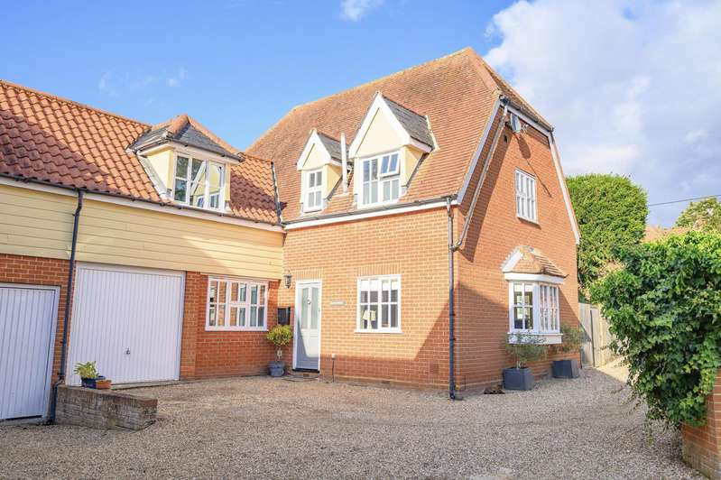 4 Bedrooms Detached House for sale in Vicarage Road, Finchingfield