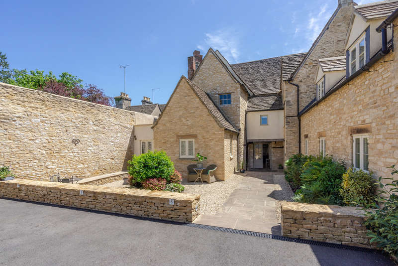 2 Bedrooms Flat for sale in The Chipping, Tetbury