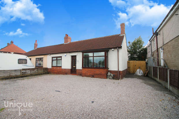 2 Bedrooms Bungalow for sale in Lawsons Road, Thornton-Cleveleys, FY5