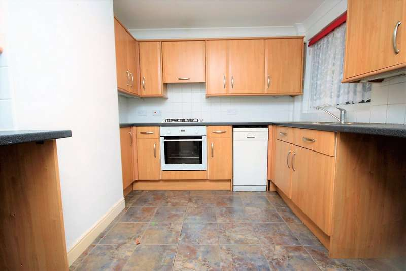 2 Bedrooms House for rent in Writtle Walk, Basildon, SS14
