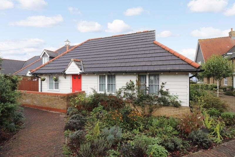 2 Bedrooms Property for sale in Meadow Park Phase 1, Braintree, CM7 1TD