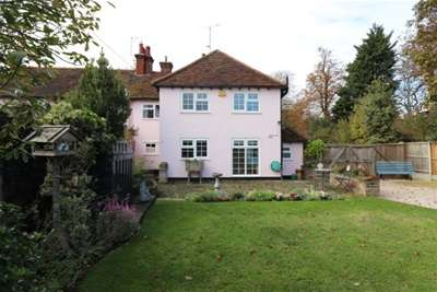 4 Bedrooms Semi Detached House for rent in Church Road, Hatfield Peverel, Chelmsford, CM3 2LE