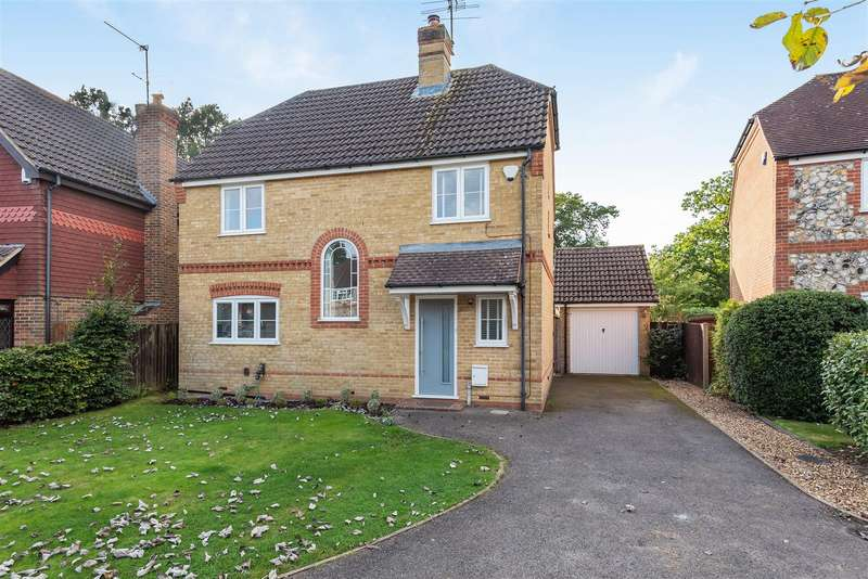 4 Bedrooms Chalet House for sale in Goldsmith Close, Wokingham, Berkshire, RG40 4YP