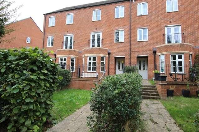 3 Bedrooms Terraced House for rent in 17 Melrose Walk, Tewkesbury