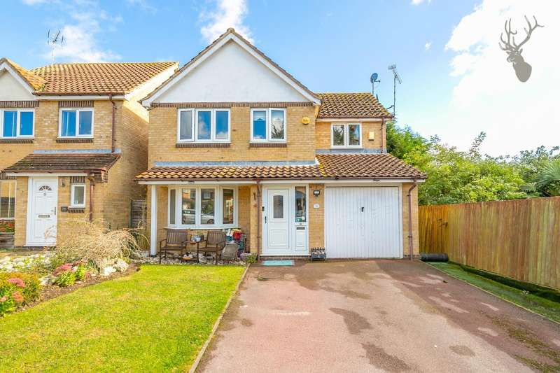 4 Bedrooms Detached House for sale in Weald Hall Lane, Thornwood, Epping