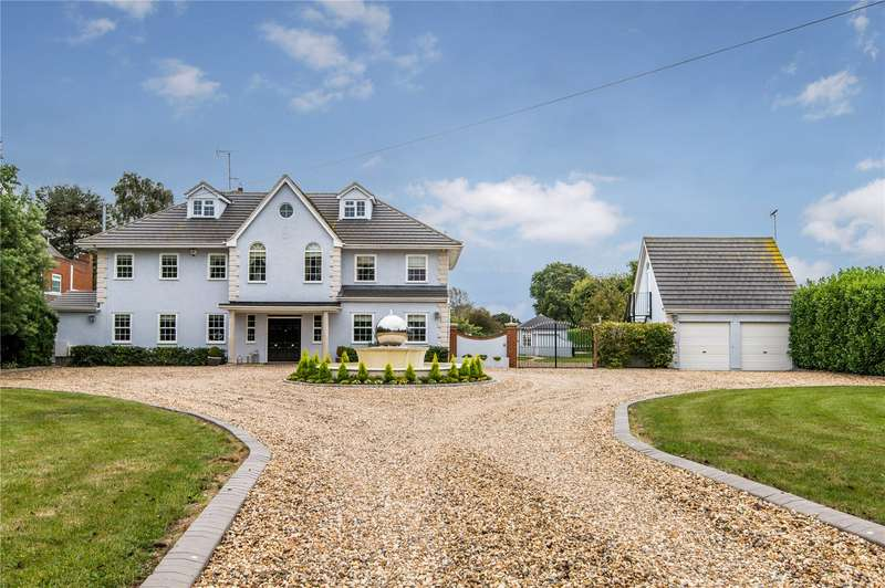 5 Bedrooms Detached House for sale in Hall Road, Rochford, SS4