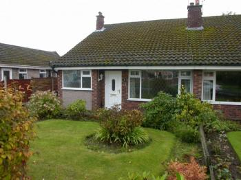 2 Bedrooms Bungalow for sale in POYNTON (BROOKSIDE AVENUE)