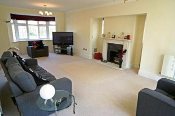 5 Bedrooms Detached House for sale in Augustus Close, Stanmore