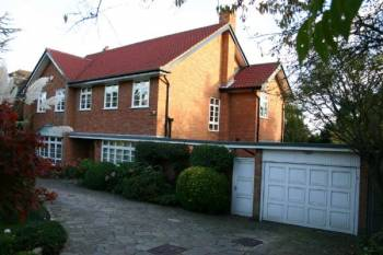 Detached House for sale in Valencia Road, STANMORE