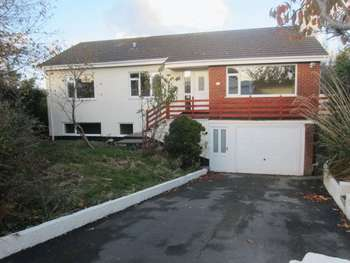 5 Bedrooms Detached Bungalow for sale in Y Fron Estate, Cemaes Bay