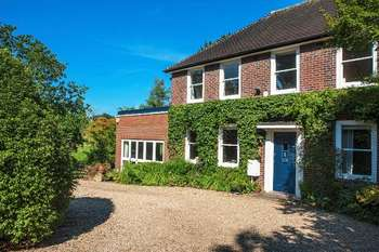 4 Bedrooms Detached House for sale in Pipers Green Lane, Stanmore Borders
