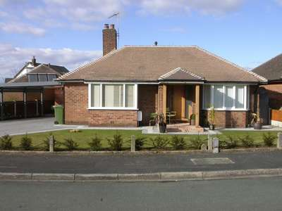 2 Bedrooms Bungalow for sale in POYNTON ( SANDRINGHAM DRIVE )