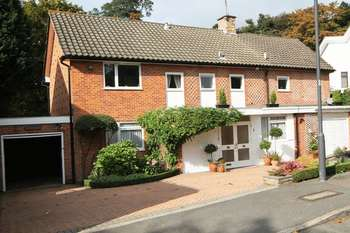 5 Bedrooms Detached House for sale in Fallowfield, Stanmore