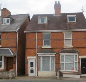 2 Bedrooms Semi Detached House for sale in 171 STOURBRIDGE ROAD, SIDMOOR, BROMSGROVE, B61 0AP. 2 / 3 BED SEMI DETACHED HOUSE. 160,000.00