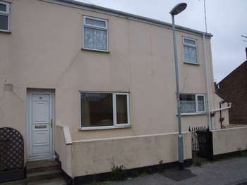 2 Bedrooms Terraced House for sale in Cathcart Street, Lowestoft