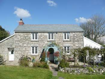 4 Bedrooms Detached House for sale in Godolphin Cross, Helston