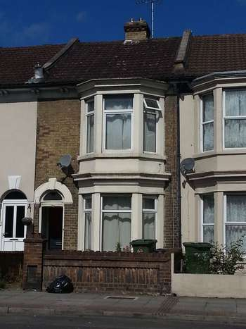 3 Bedrooms Terraced House for sale in London Road, Portsmouth