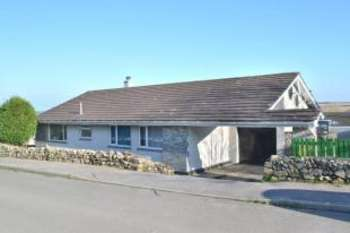 3 Bedrooms Bungalow for sale in Godolphin Cross, Helston, Cornwall