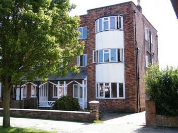 Flat for sale in CASTLETON BOULEVARD, SKEGNESS, LINCS, PE25 2TS
