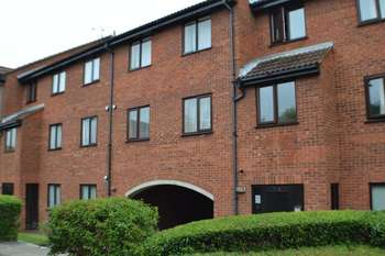 1 Bedroom Flat for sale in Amwell Court, Amwell Street, Hoddesdon