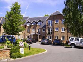 1 Bedroom Retirement Property for sale in Avongrove Court, Taunton, TA1 1TL
