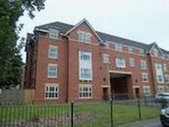 2 Bedrooms Flat for sale in Hollands Road, Northwich