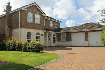 4 Bedrooms Semi Detached House for sale in Priory Mews, Cypress Point, Lytham