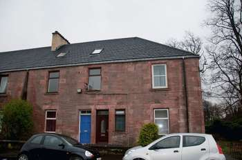 3 Bedrooms Flat for sale in Hill Street, Alloa,