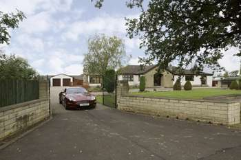 4 Bedrooms Bungalow for sale in Moss Road, By Dunmore, Falkirk, Forth Valley & The Trossachs, FK2 8RX