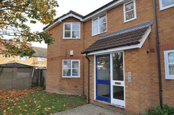 2 Bedrooms Flat for sale in Homefield Close, Hayes