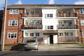 3 Bedrooms Flat for sale in Holland Street, Fairfield, Liverpool, L7