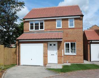 3 Bedrooms Detached House for sale in The Oaks, Off Bennett Row, Flint
