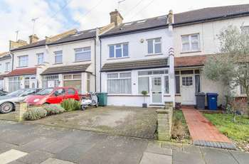 4 Bedrooms Terraced House for sale in Horsham Avenue, London, N12