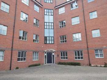 2 Bedrooms Flat for sale in Gamble Street, Nottingham