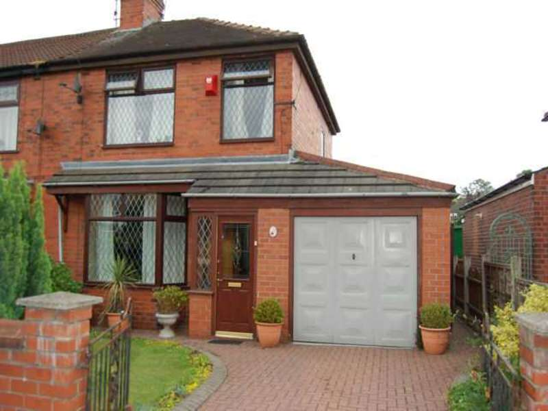3 Bedrooms Semi Detached House for sale in Phyllis Street, Passmonds, Rochdale, Lancs, OL12 7NA