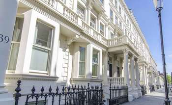 1 Bedroom Flat for sale in Earl's Court Square, London SW5