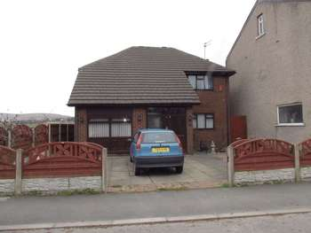 5 Bedrooms Detached House for sale in Belfield Lane, Firgrove, Rochdale