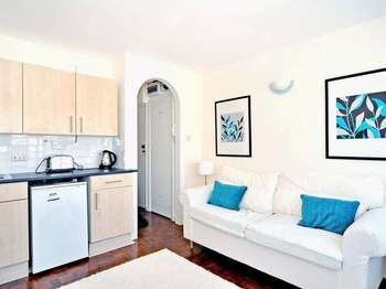 1 Bedroom Flat for sale in Bethnal Green Road, Shoreditch E2