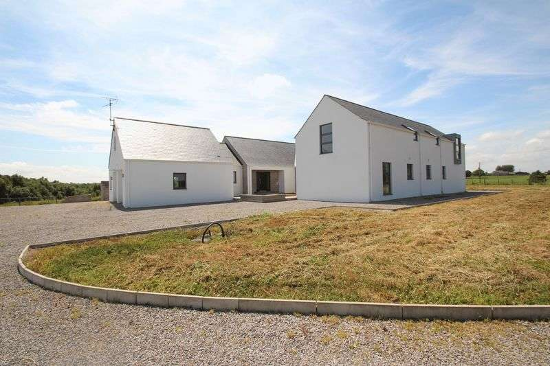 4 Bedrooms Detached House for sale in