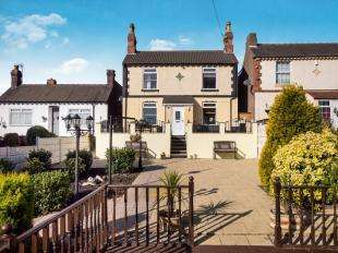 4 Bedrooms Detached House for sale in Kingsway, Ilkeston, Derbyshire