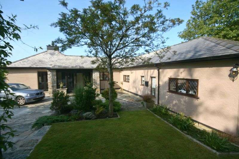 4 Bedrooms Detached House for sale in Llansadwrn, Anglesey