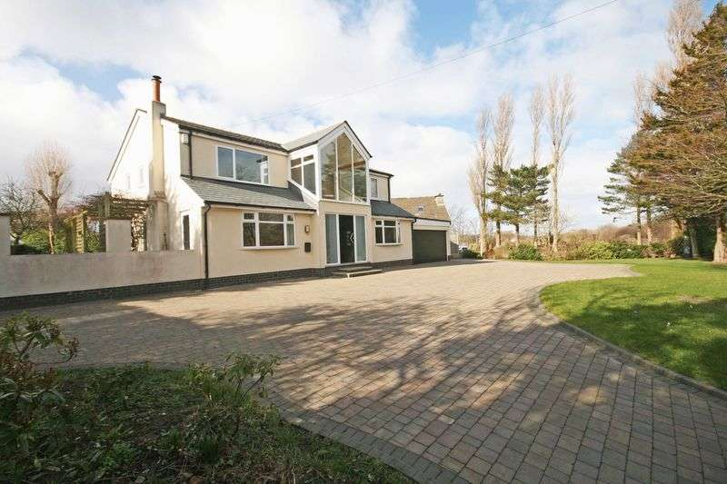 4 Bedrooms Detached House for sale in Kiln Lane, Hambleton