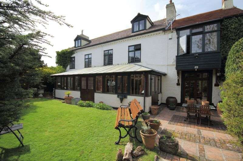 6 Bedrooms Detached House for sale in Substantial & versatile Grade II listed property