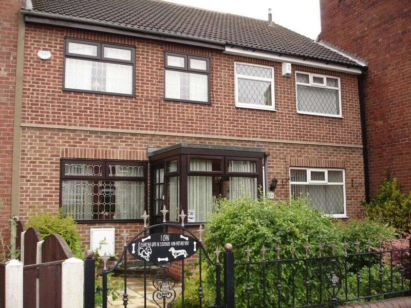 3 Bedrooms Terraced House for sale in Pontefract Road, Castleford
