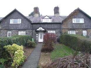 3 Bedrooms Terraced House for sale in Tan Y Bryn, Llandygai, Bangor, Gwynedd, LL57