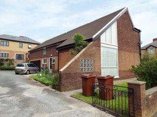5 Bedrooms Detached House for sale in Greenhead Avenue, Blackburn, Lancashire, BB1