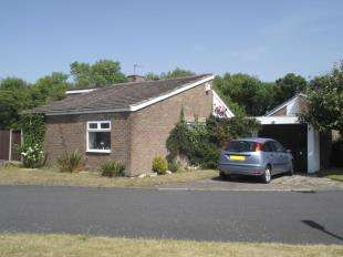 2 Bedrooms Bungalow for sale in North Dunes, Hightown, Liverpool, Merseyside, L38