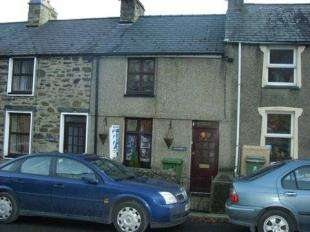 2 Bedrooms Terraced House for sale in Bryncir Terrace, Penmorfa, Porthmadog, Gwynedd, LL49