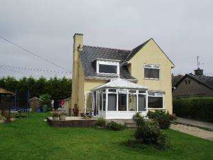 3 Bedrooms Detached House for sale in Penrallt, Pwllheli, Gwynedd, LL53
